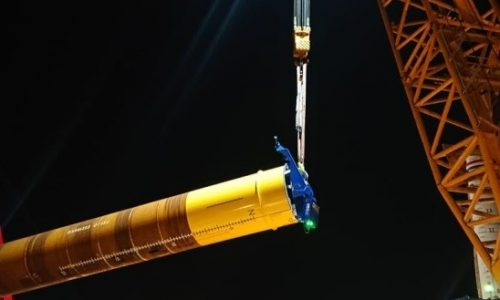 PDA Testing during pile driving of huge monopiles: the PDR is inside the monopiles without data connection, storing all signals and data on the internal memoy of the PDR